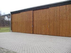 Schiebetoranlage in Holz