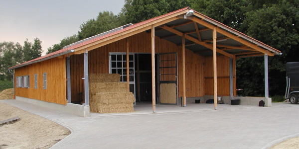Conrads Halle mit Vordach