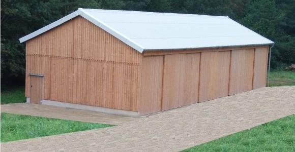 Conrads Halle mit Holzverkleidung